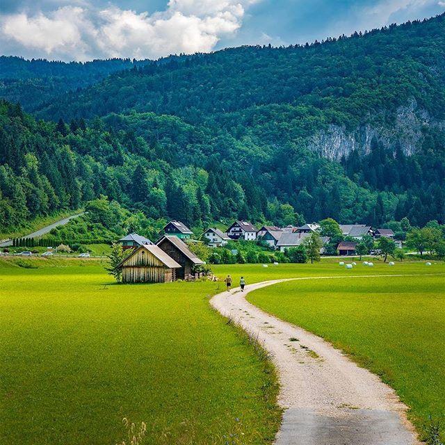 Germany 🍦💞💓💕💓🌴 Follow @travel.dost🍸🍻🍻💕💞💓🍟🍸🍟🍨 📷🎇📷📷🎇@kyrenian @travel.dost💟🍻🍨🍷💟🍨 #instago #travelpics #tourist #wanderer #wanderlust #travelphoto #travelingram #mytravelgram #visiting #travels #travelphotography #tagsta_travel#beauty #amazing #arountheworld #tourist#solotravel #instago #ig_worldclub #worldcaptures #tourism #worldplaces #worldingram #traveller #traveler #hotel #luxuryhotel
