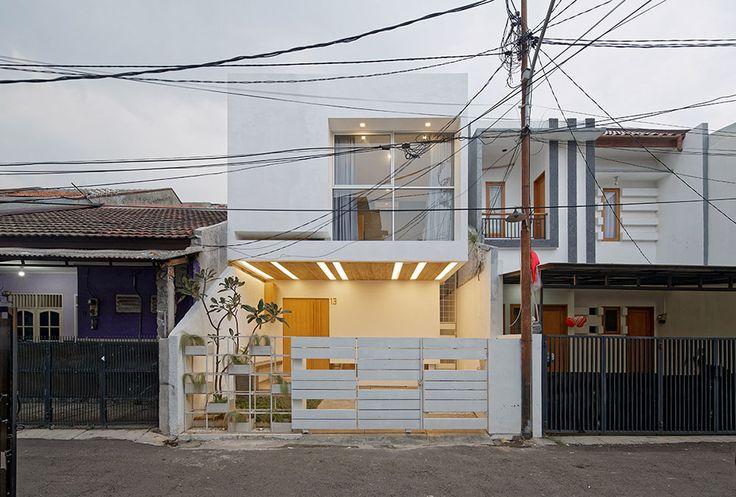 Splow House / Delution Architect
