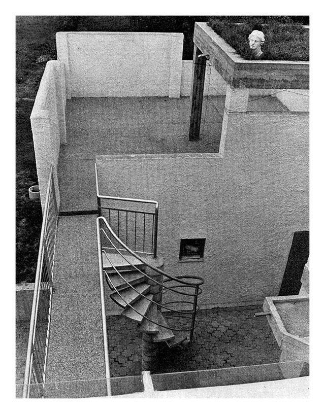 """Roth HouseOberhöchstadt - Kronberg im Taunus, Hesse, Germany; 1969 Atelier 5(photographs by Balthasar Burkhard) see map   more information   + picture via """"(Das) Werk, 57"""" (1970)"""