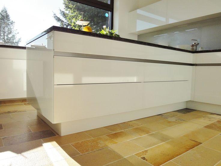 Gerade Linien und stilvolles Design - Küche von krumhuber.design  http://krumhuber-design.at/design/kueche