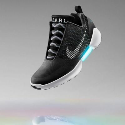 Nike unveils HyperAdapt shoe with auto-lacing