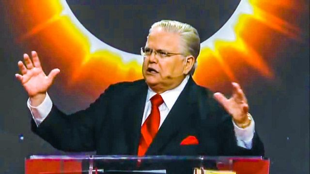 Pastor Hagee: 'Blood Moon' Eclipse On Tuesday Means End Of The World By 2015 And they wonder why we mock them?