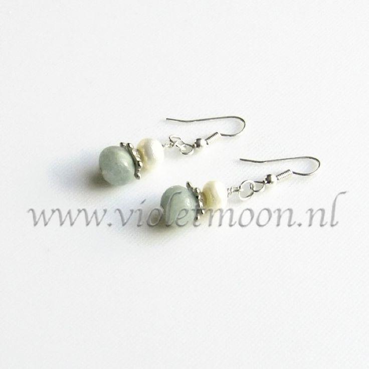 """Aquamarijn oorbellen / Aquamarine earrings Lots of new earrings in my #shop easy to recognise by the """"new"""" ribbons.   Veel nieuwe oorbellen in mijn #shop, gemakkelijk te herkennen aan de """"new"""" lintjes."""