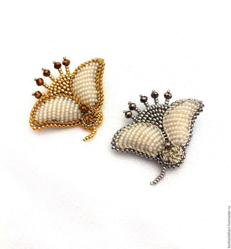 """Купить Броши """"Золотой и серебряный цветы"""" - на белом фоне, брошь, вышитая брошь, золотой, серебряный"""