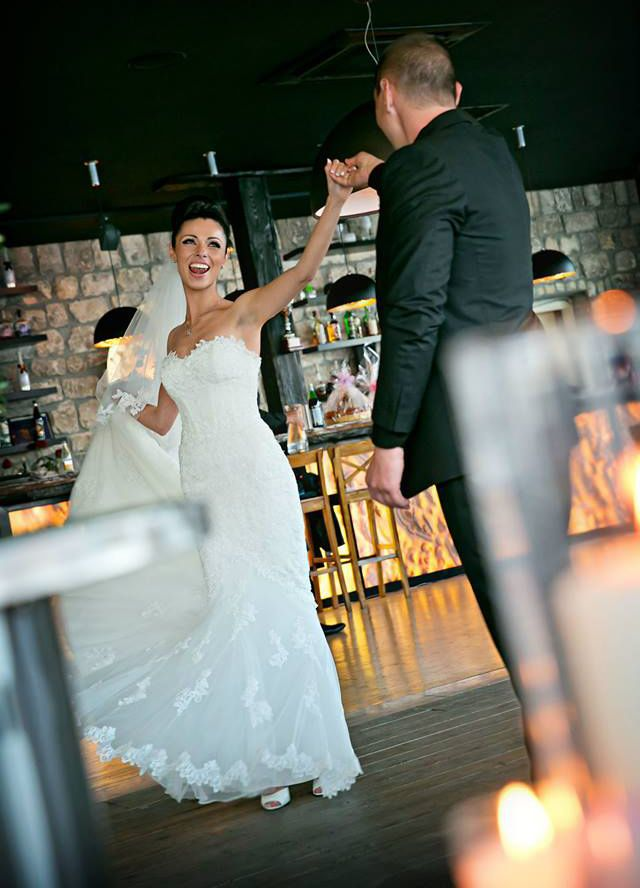 Dj Fur Hochzeit In Dusseldorf Hochzeits Dj Meerjungfrauenkleid Hochzeit Marchenhochzeit
