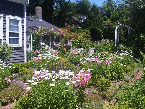 641 best images about flower borders   cottage gardens on