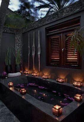 Les 25 meilleures id es concernant salle de bains gothique sur pinterest int rieur gothique Salle de bains les idees qu on adore