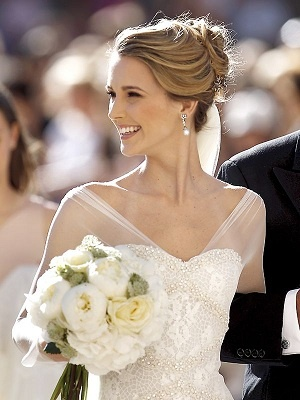 Astrid Klisans. Vestido Manuel Mota para Pronovias.
