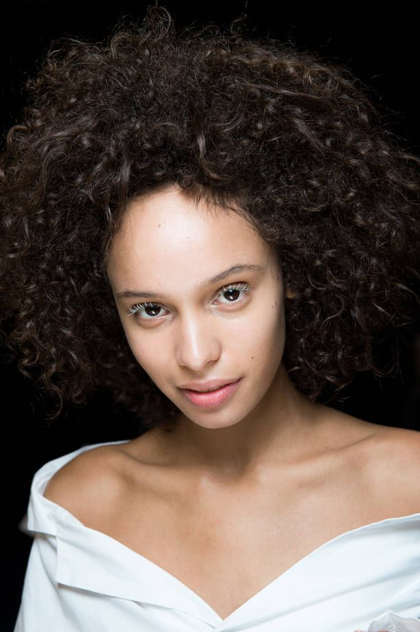 Acconciature Issey Miyake PE 2015 | Capelli afro |