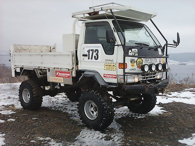 4wd, pavement, ramp, 38th tires, full duty - Toyota Dyna, 1997 - Trucks Vladivostok