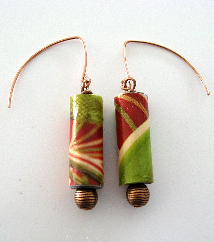 Örhängen, koppar, papperspärlor. Earrings, copper, paper beads