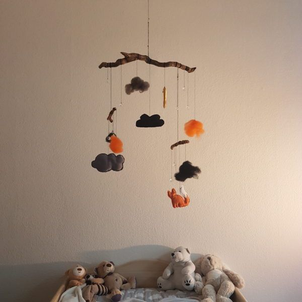DIY Mobile from Wood, Fabric and Felt - of course with glittering stones