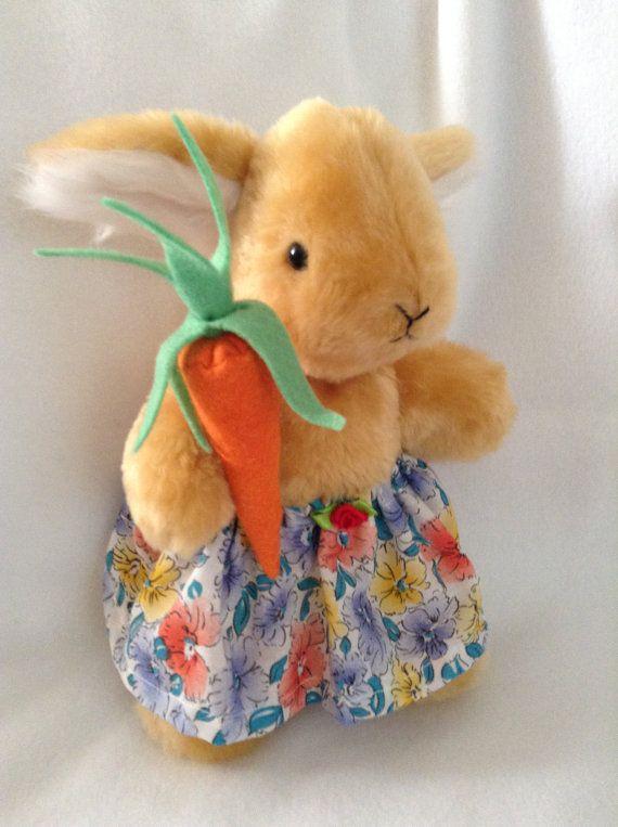 Belinda Bunny carrying a carrot by SewingSunbeams on Etsy