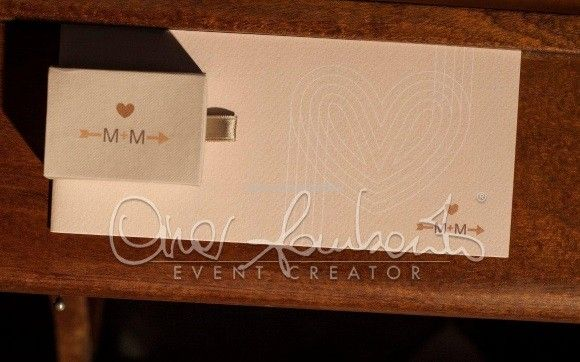 Libretto messa e scatolina portariso personalizzati con l'immagine coordinata dell'evento.