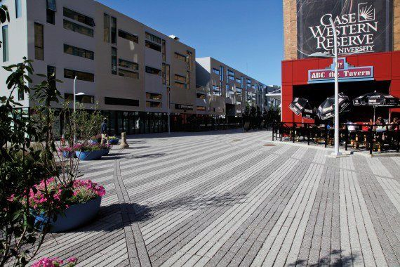 Unilock - Museum of Contemporary Art and Uptown Alleyway with Promenade Plank Paver in Series3000 finish in Ohio