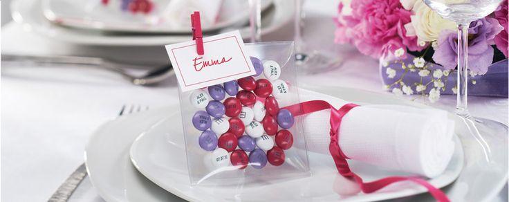 Une jolie table accompagnée de M&M's personnalisés. Avec eBuyClub, vous avez 10% remboursés --> http://www.ebuyclub.com/FenetrePartenaire2.jsp?part=1543&trckpro=Pinterest_partage