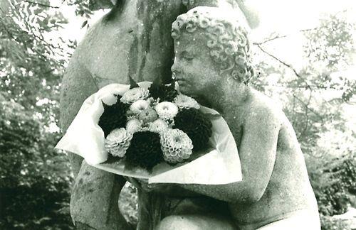 Edouard Boubat. L'ange au bouquet 1980-1989