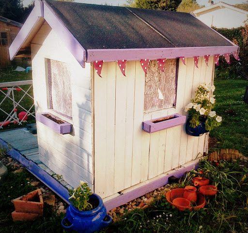 POUR LIKER MON FACEBOOK C'EST ICI ET MON INSTAGRAM LA Il y a 2 mois avec mon mari on s'est lancé dans la fabrication d'une cabane de jardin pour ma fille mais avec des critères bi…