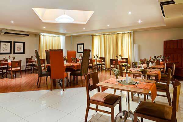 http://www.south-african-hotels.com/hotels/protea-hotel-oasis/