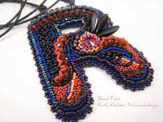 Perlenstickerei Anhänger Alphabet R Violett Orange mit von BeadFizz