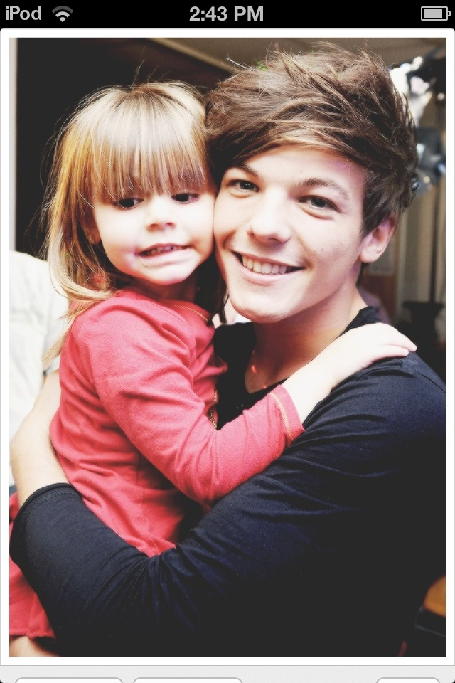 Louis Tomlinson and his little sister <3 *DYING... Can these Tomlinsons be any cuter? Even though it's an older one. Still love it