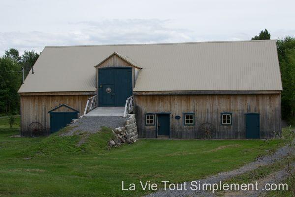Grange - 5 raisons de visiter l'Île d'Orléans, #ViréeQC | Détails sur www.lavietoutsimplement.com