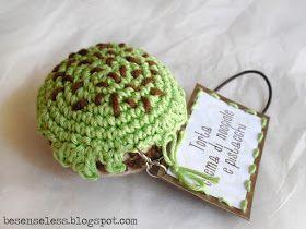 Airali handmade. Where is the Wonderland? Crochet, knit and amigurumi.: Mini torte e pasticcini all'uncinetto