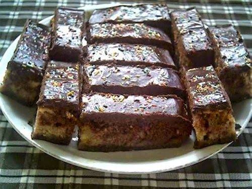 TutiReceptek és hasznos cikkek oldala: Vendégváró bögrés sütemény – Nagyon egyszerű, gyors, finom sütemény! Változatosan elkészíthető