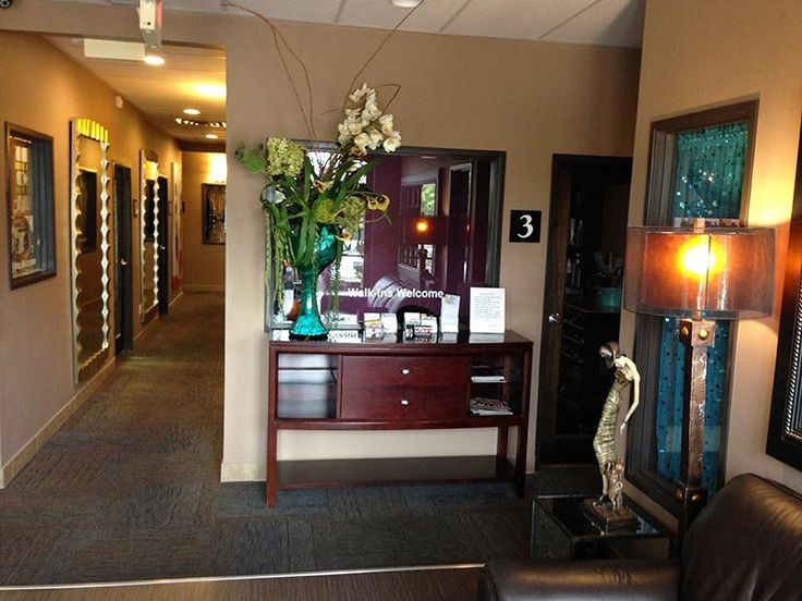 Luxe Eyebrow Threading Las Vegas is the premiere Threading Studio in Las Vegas specializing in Eyebrow Threading, Eyebrow Shaping and Eyebrow Tinting for both women and men. (702) 333-1696 - Walk-in's always welcome!