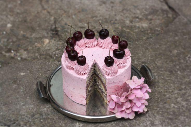 Cherry Cake / Třešňový dort https://www.devceuplotny.cz/Foodblog/Recepty/Dorty/Tresnovy-dort Děvče u plotny