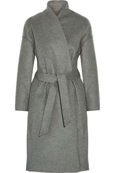 Totême's 'Chelsea' coat is an effortless, refined style. Crafted from wool-blend…