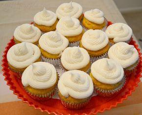 Rays of Purple: Twinkie Cupcakes