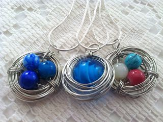 Bird Nest Necklace: a MOPS craft tutorial... This is a very easy tutorial with lots of pictures of each step. Perfect for your MOPS mamas :-)