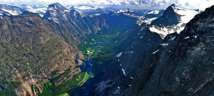 Trollveggen (translates to The Troll´s wall) in Romsdalen - Foto: Pål S. Vindfallet/Making View/www.visitnorway.com