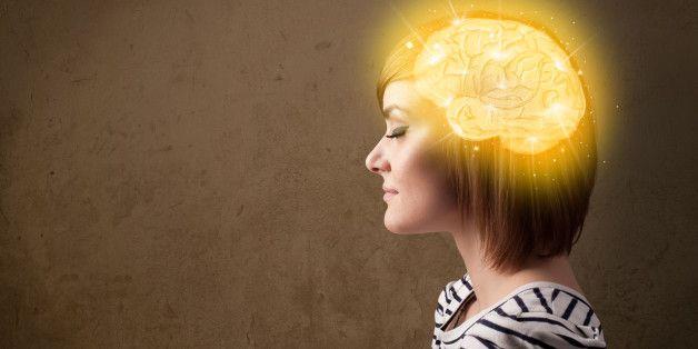 Il cervello si può allenare alla felicità in questi 3 modi. Gli esercizi studiati dagli psicologi di Harvard (FOTO)