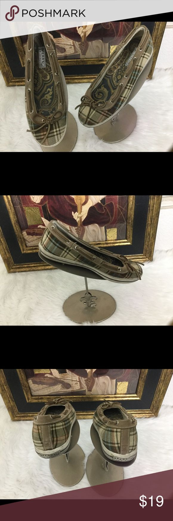 Sperry Top Sider Shoes.  Sz 8M Check out these Sperry Top Sider shoes.  In good condition.  Love the plaid design. Sperry Top-Sider Shoes Flats & Loafers