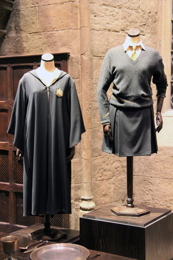 """How To Create A """"Hogwarts Student Uniform"""" Costume For Halloween!"""