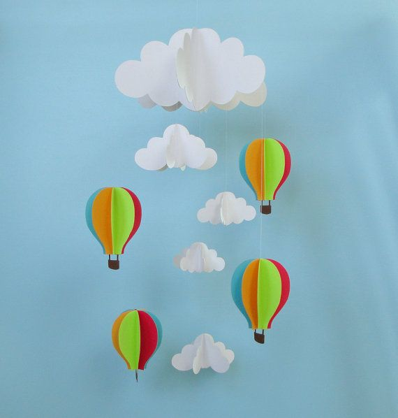 Hot Air Balloons and Clouds Hanging Baby Mobile/3D door goshandgolly