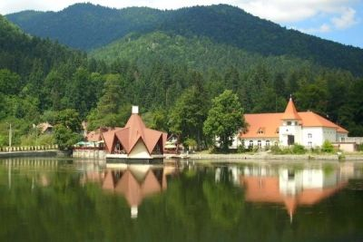 Băile Tuşnad, miracolul din Munţii Harghitei http://www.antenasatelor.ro/turism/5731-baile-tusnad,-miracolul-din-muntii-harghitei.html