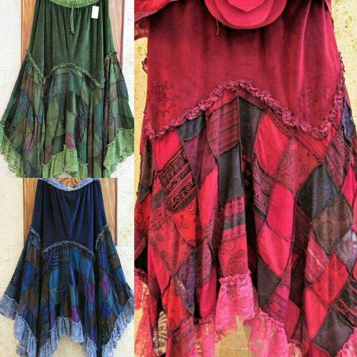 #falda de #terciopelo #patchwork #bordado #encaje #moda #coleccion #otoño #invierno #bohemian #styles #estilo #bohemio #bohostyles #fashionstyle #bohochic #glamour #boho #outfits #outfitideas #moda #estilo #modamujer #modafemenina #online #onlineshop www.modabagus.com