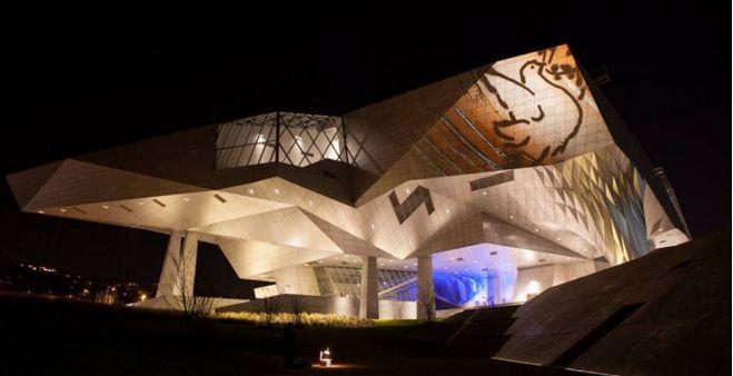 Lyon : Les plus belles images du 8 décembre, sans la Fête des Lumières - 2015 En savoir plus sur http://www.focusur.fr/a-la-une/2015/12/09/lyon-les-plus-belles-images-du-8-decembre#bywQ1g1fxOlh7Yu9.99