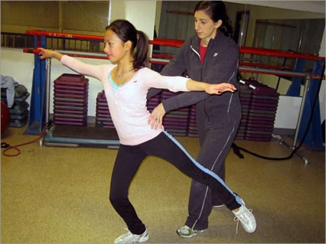 Lauren Downes is a licensed physical therapist, a professional figure skating coach, a former competitive skater, and she is also an off-ice strength and conditioning coach. She is the founder and creator of Sk8Strong Inc. and she has produced instructional exercise DVDs especially for figure skaters. In this article, she talks about off-ice training for figure skating.