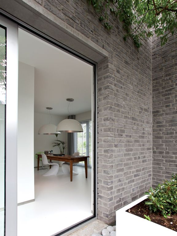 The timeless quality of brickwork. Bosrijk houses by Dutch architects Happel Cornellisse Verhoeven.