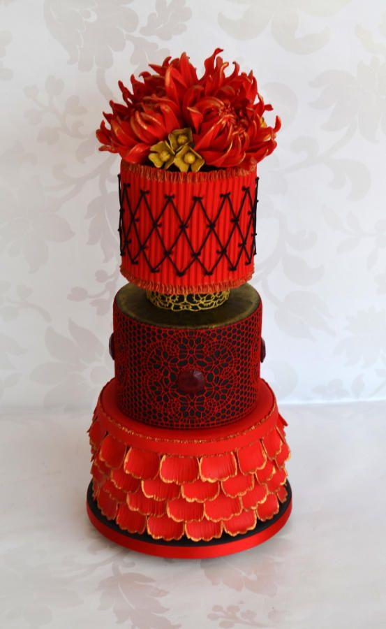 Miniature Wedding Cake with Dahlias - Cake by Cake-A-Moré | CakesDecor.com