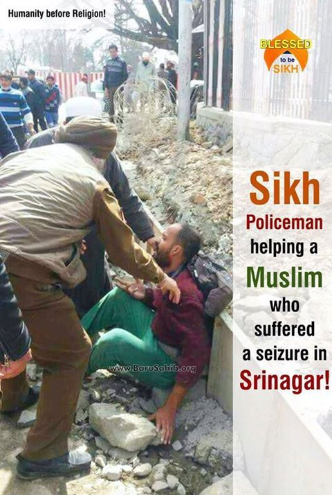 #BlessedtobeSikh  Humanity before Religion!  Sikh Policeman helping a Muslim who suffered a seizure in Srinagar  Heart touching sight of a Sikh policeman helping a Muslim guy who had suffered seizure while he was walking at polo view crossing, Srinagar .  No one came to his help when he was screaming and shouting.  It was after the Sikh policeman came to his help then some people came and helped him. This is what Sikhism teaches us. Sikhs are often trolled on social platforms.
