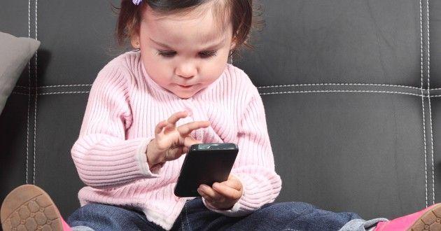 10 razões por que os dispositivos eletrônicos portáteis deveriam ser banidos a crianças menores de 12 anos