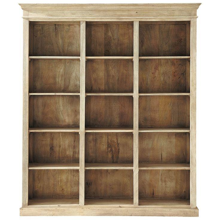 in einer Spalte alle Böden rausnehmen und mit zwei Stangen ersetzen = offener Kleiderschrank Bücherregal  Archibald