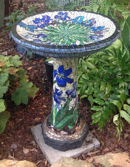 mosaic birdbath- this page has a lot of info on how to mosaic.
