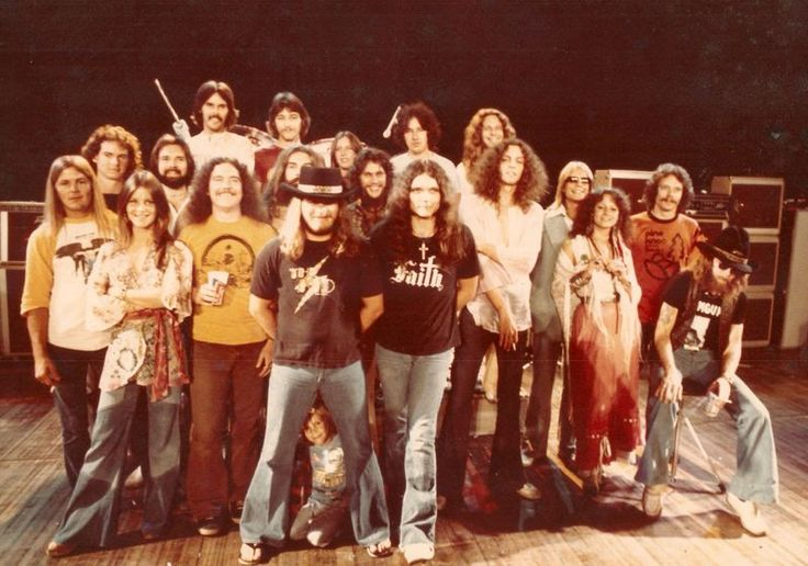 "This is from the Fox Theater, ""One More from the Road"".  Left to right  1st row: Chuck Flowers Leslie Hawkins Billy Powell Ronnie VanZant Gary Rossington JoJo Billingsley Leon Wilkeson Artimus' son under Ronnie  2nd row: David St. John – Sound Production Piano Tech Bob O'Neil – Continental Design Lighting Designer Artimus Pyle Steve Gaines Allen Collins John Butler Ron Eckerman – Road Manager  3rd row: Kevin Elson Craig Reed Cassie Gaines Joe Barnes Dean Kilpatrick"
