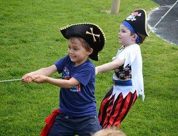 spelidee voor piratenfeestje: touwtrekken